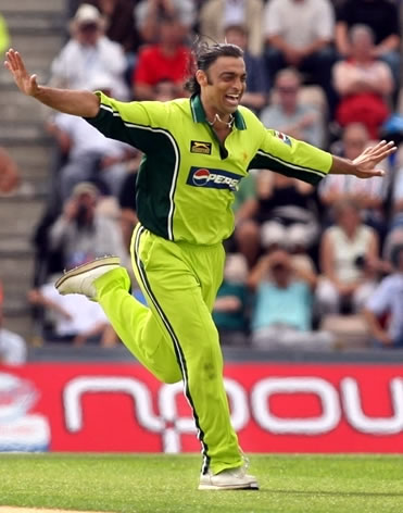 Shoaib Akhtar celebrates after taking a wicket