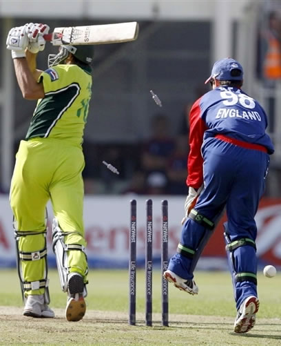 Shahid Afridi is clean bowled