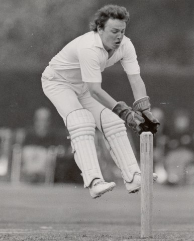 Ian Gould keeping wicket on the jump