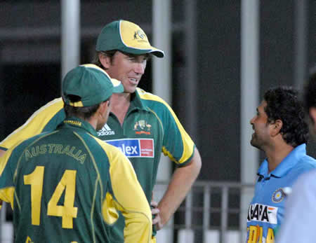 McGrath and Tendulkar talking with eachother