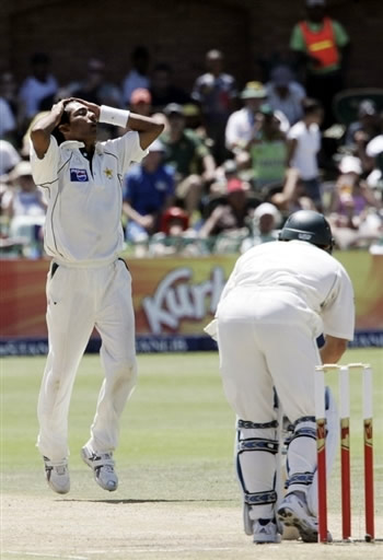 Mohammad Sami reacts after square-up Boucher
