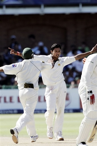 Kaneria celebrates the wicket of Pollock