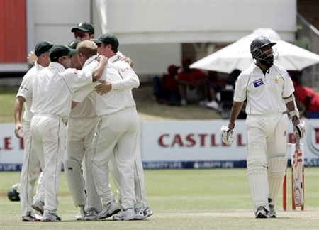 South Africa celebrate the wicket of Mohammad Yousuf