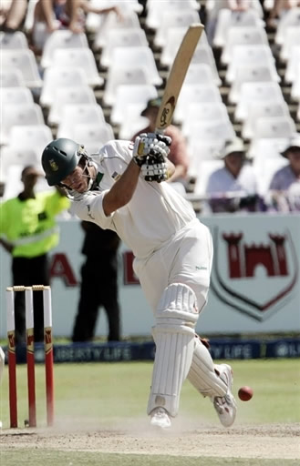 AB de Villiers plays a winning shot