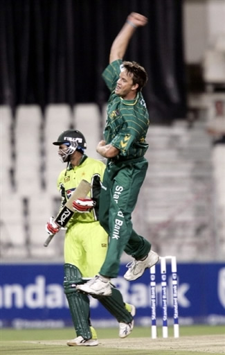 Morkel celebrates the wicket of Shoaib Malik