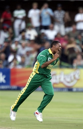 Ntini celebrates the wicket of Mohammad Yousuf