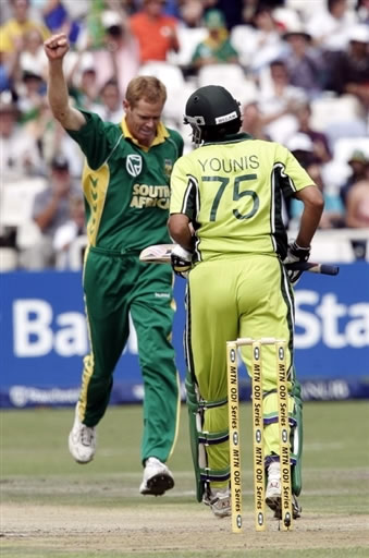 Pollock celebrates the wicket of Younis Khan