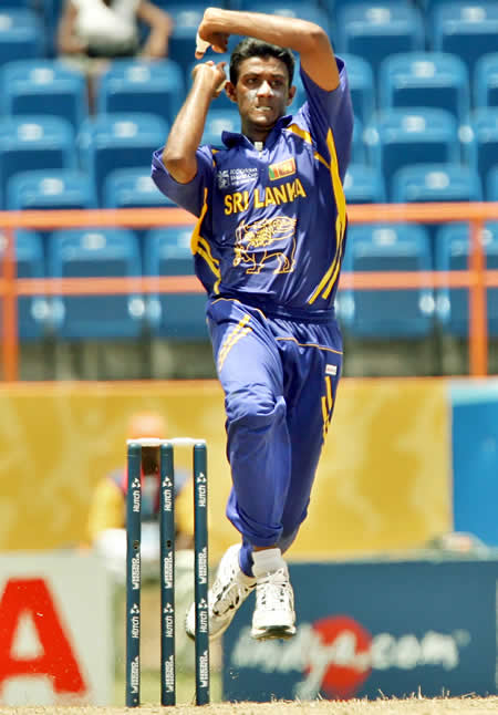 Farveez Maharoof delivers a ball