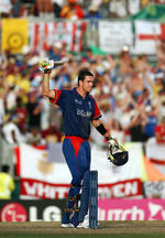 Kevin Pietersen celebrates his century