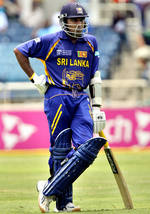 Mahela Jayawardene waits for a fill-in batsman after the dismissal of Chamara Silva