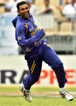 Dilshan celebrates the wicket of Styris