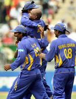 Sanath Jayasuriya celebrates the wicket of Fulton