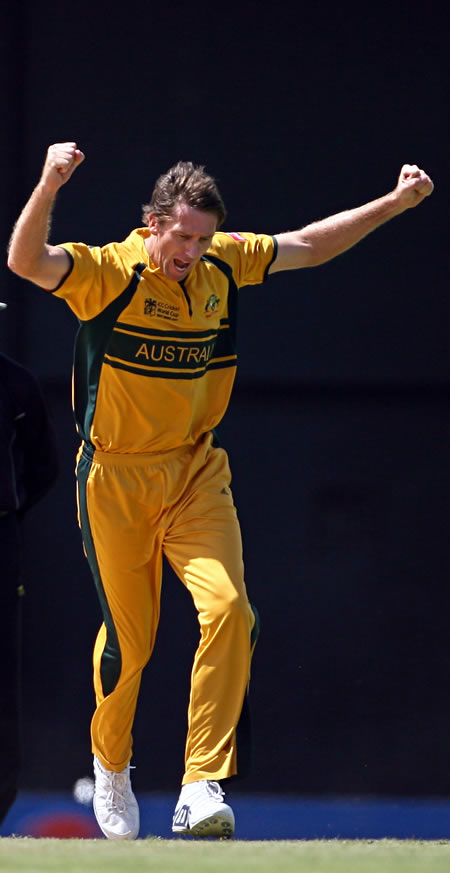 Glenn McGrath celebrates the wicket of Kallis