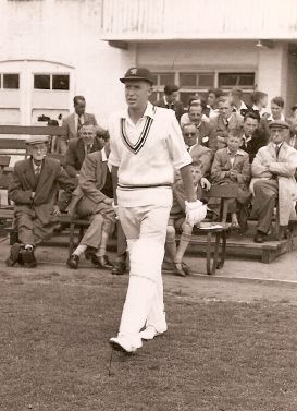 Murray Sargent walks out to bat