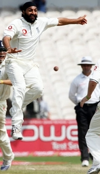 Monty Panesar celebrates the match-winning wicket of Corey Collymore
