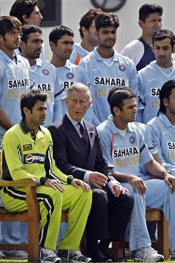 Prince Charles with India and Pakistan team