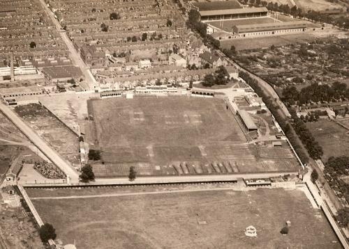 Aerial view of Aylestone Road ground in 1925