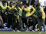Pakistan team celebrates their victory over New Zealand