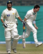 Dale Steyn celebrates the wicket of Younis Khan