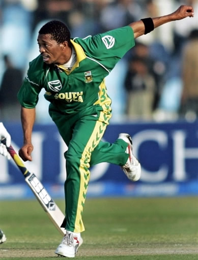Makhaya Ntini in action