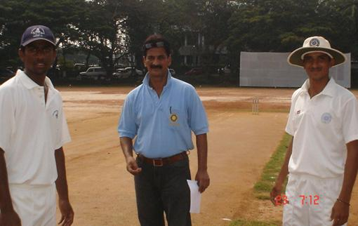 Match Referee KD Mokashi with A Mukund and Kushal Jilla at the toss
