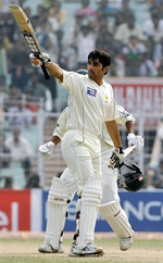 Misbah-ul-Haq celebrates his 150