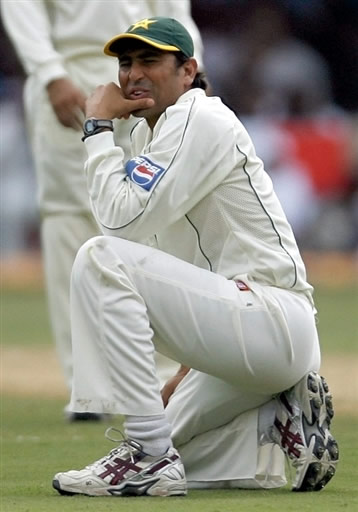 Younis Khan reacts after dropping the catch