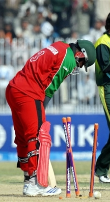 Hamilton Masakadza is bowled by Shahid Afridi