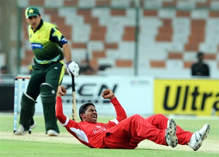 Nadeem Ahmed celebrates the wicket of Misbah-ul-Haq