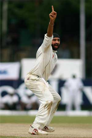 Monty Panesar appeals during a test match in Sri Lanka
