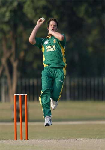 South Africa's Albie Morkel bowls against Pakistan