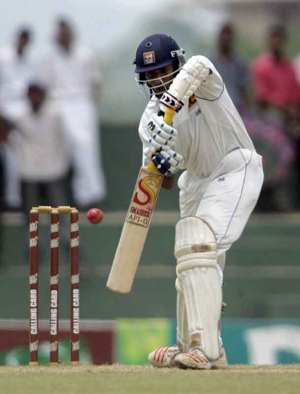 Thilan Samaraweera plays a shot