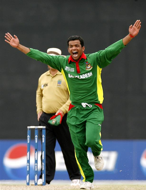 Abdur Razzak celebrates after taking the wicket of AB de Villiers