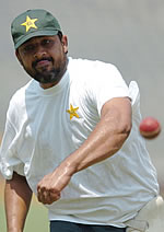 Inzamam-ul-Haq bowls during a practice session