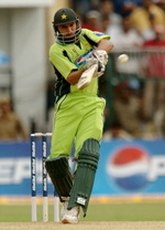 Shahid Afridi pulls during the third One-Day International