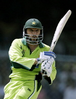 Shahid Afridi pulls a ball to leg