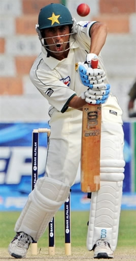 Younis Khan unbeaten 149* leads Pakistan fight back