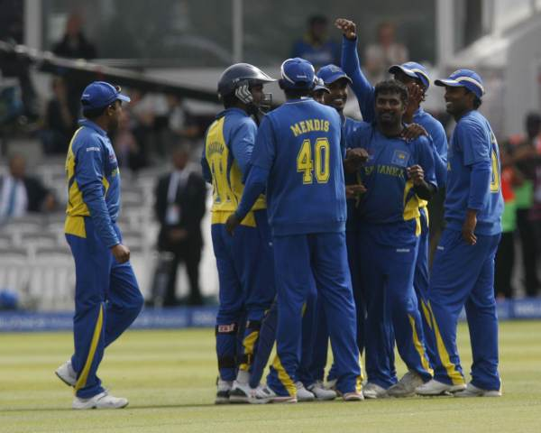 Sri Lankan team celebrates a wicket