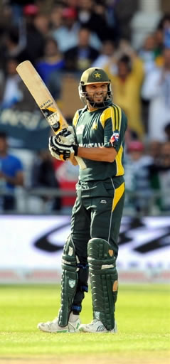 Afridi celebrates his fifty