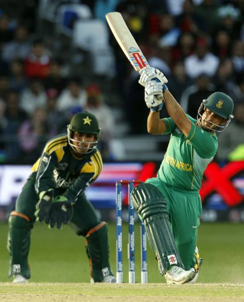 Duminy in action
