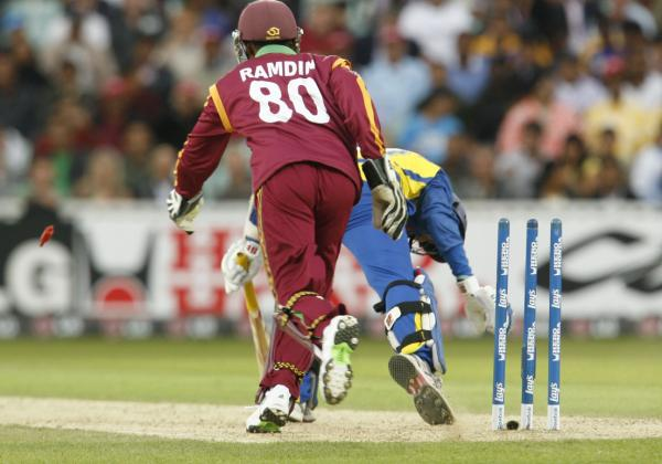 An anxious moment for Dilshan