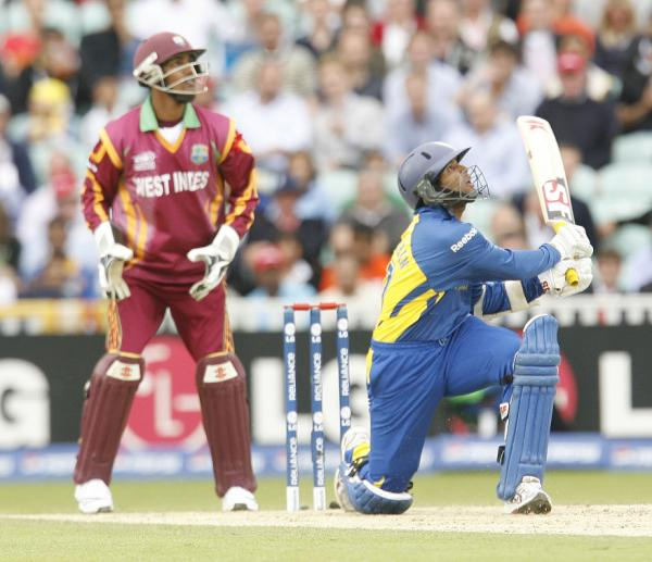 Dilshan in aggressive mood