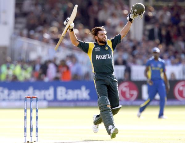 Afridi celebrates the winning run