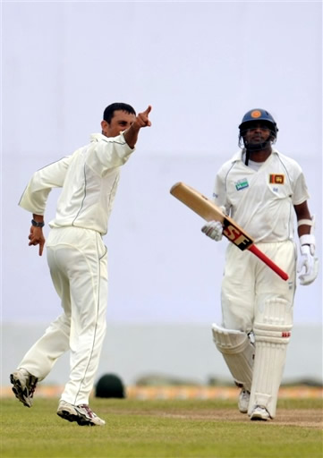 Younis Khan celebrates the wicket of Samaraweera