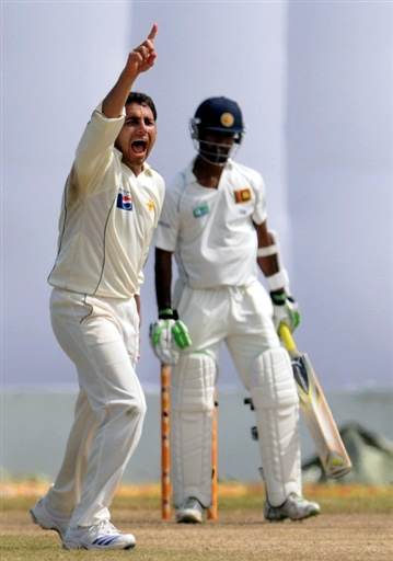 Saeed Ajmal appeals for the lbw against Kulasekara