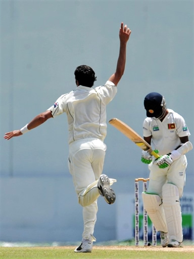 Umar Gul celebrates the wicket of Kulasekara