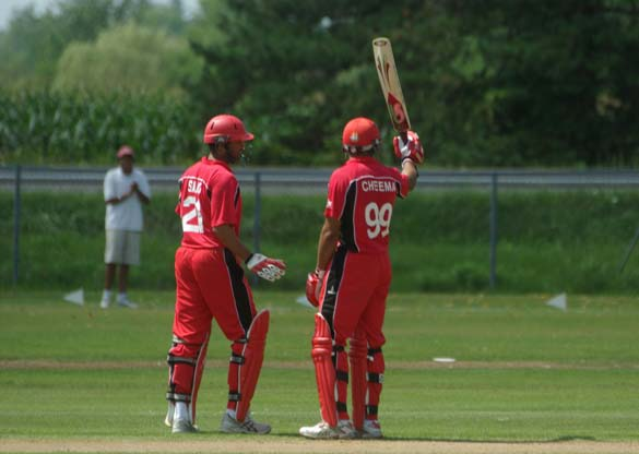 Rizwan Cheema acknowledges his 50 to spectators