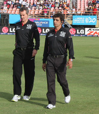 Umpires Asad Rauf and Billy Bowden