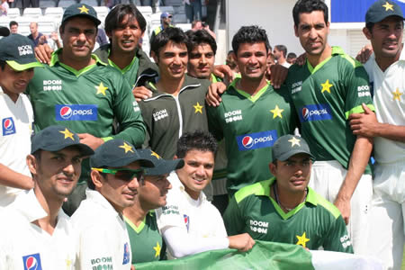 Pakistan team group photo after historic win over Australia