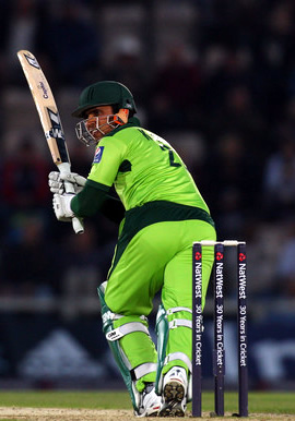 Kamran Akmal in action
